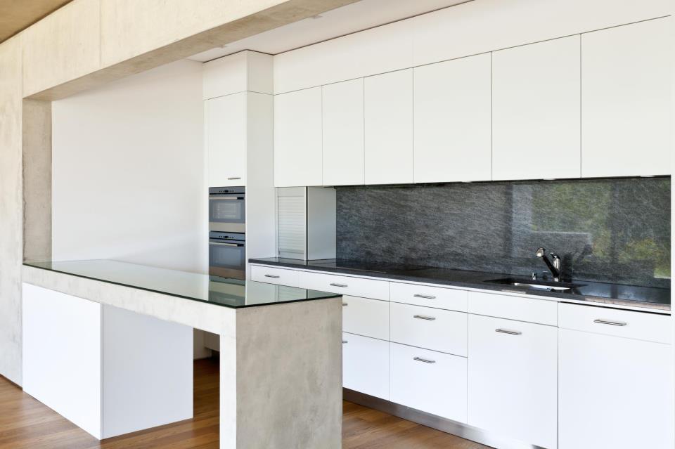 PIekne panele szklane w kuchni