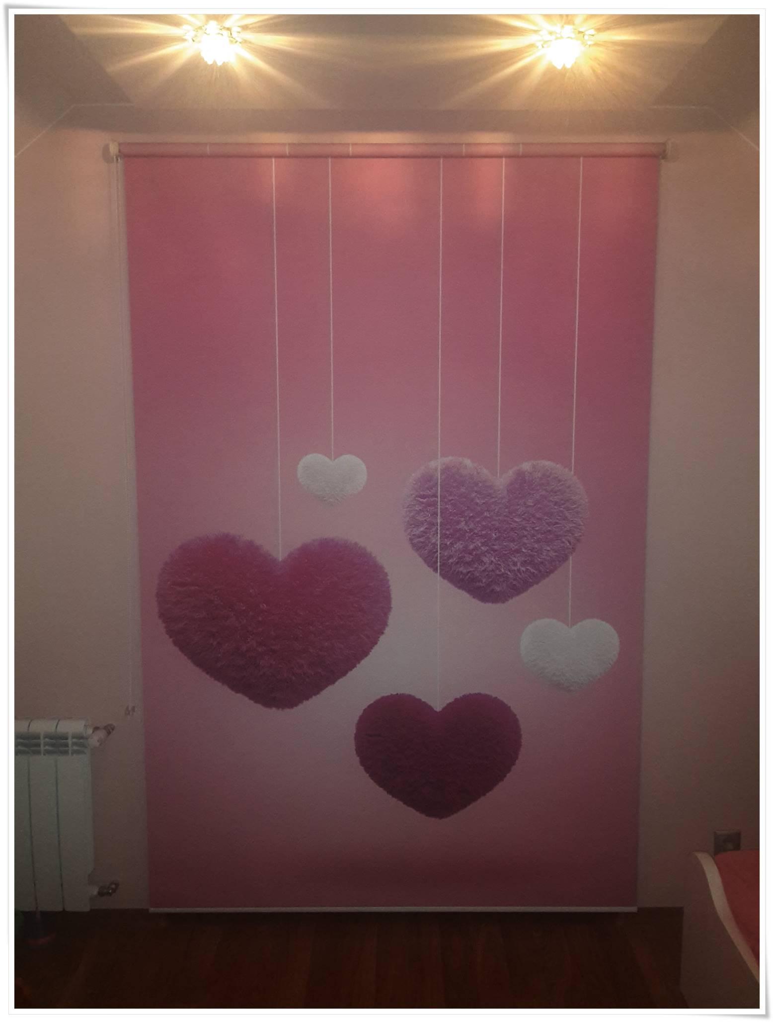 Rolety okienne do pokoju dziewczynki