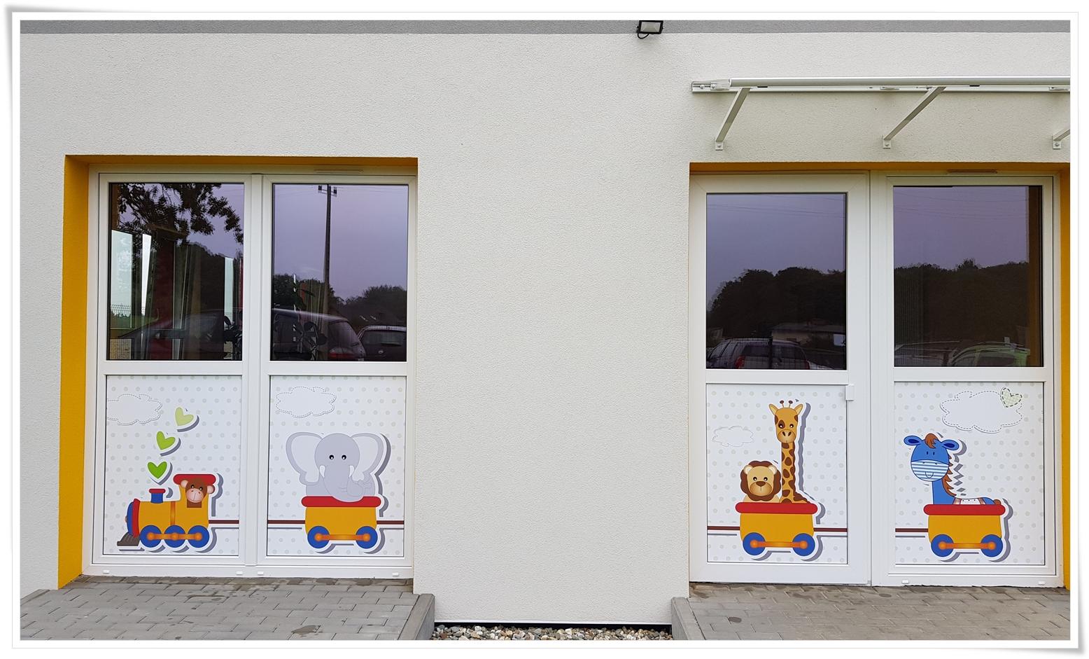 Folia na szyby_dekoracja do przedszkola
