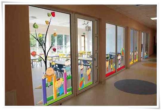 Dekoracyjna folia okienna do przedszkola