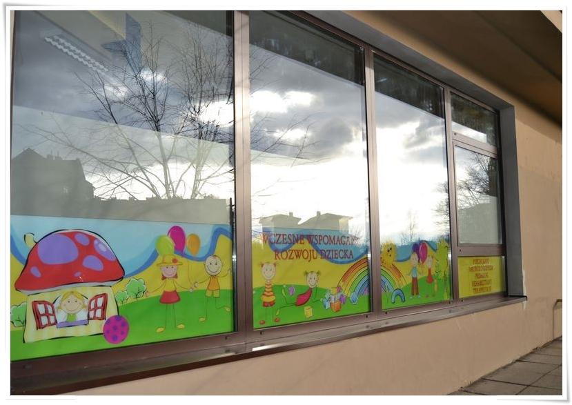 Folia na szyby - dekoracja okna