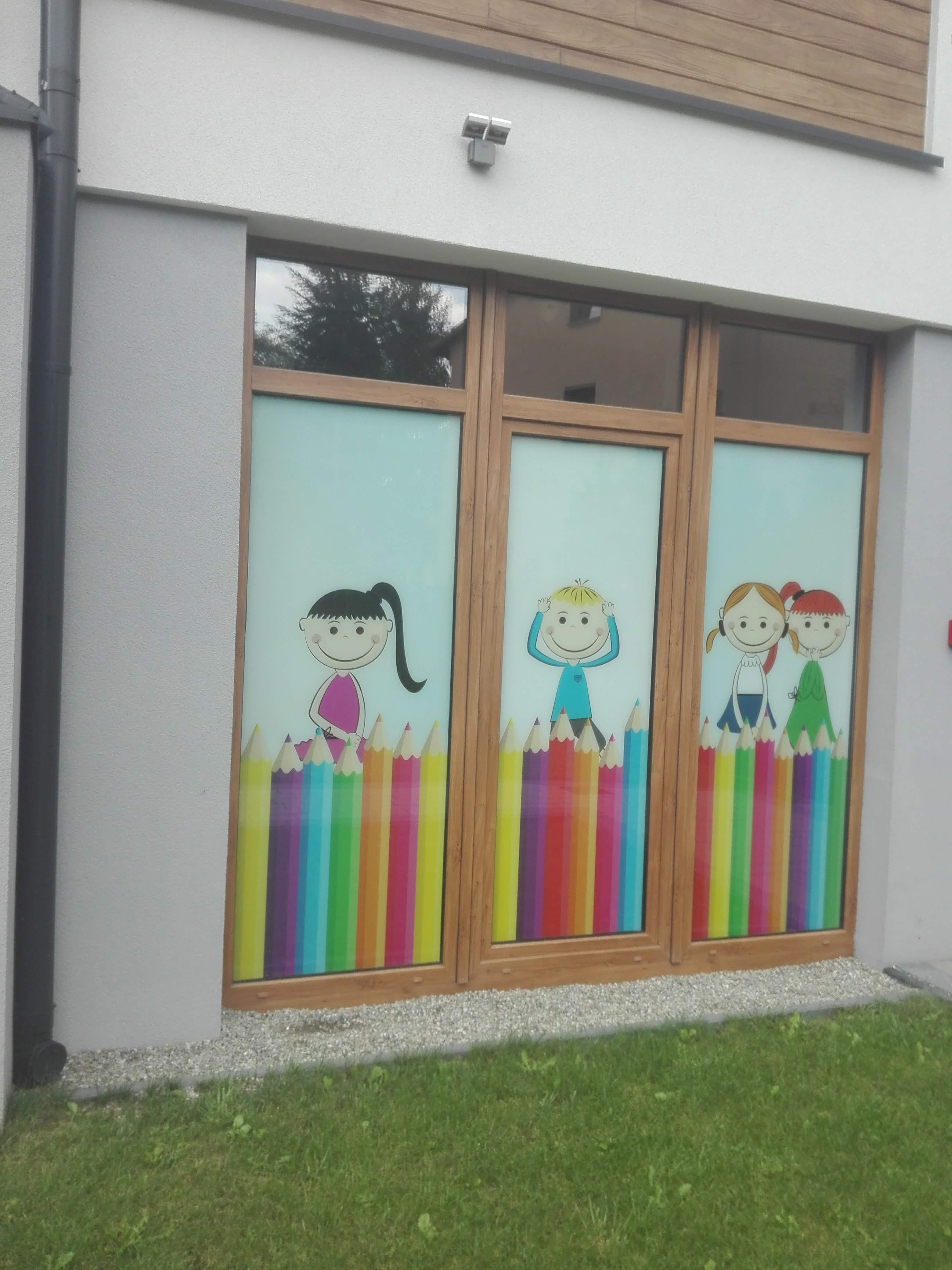 Folie dekoracyjne na okna